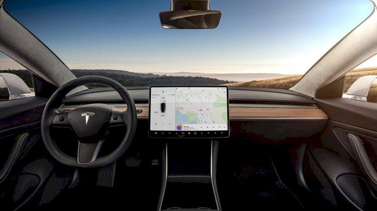 Tesla Araçlarına Netflix ve Youtube Desteği Geliyor